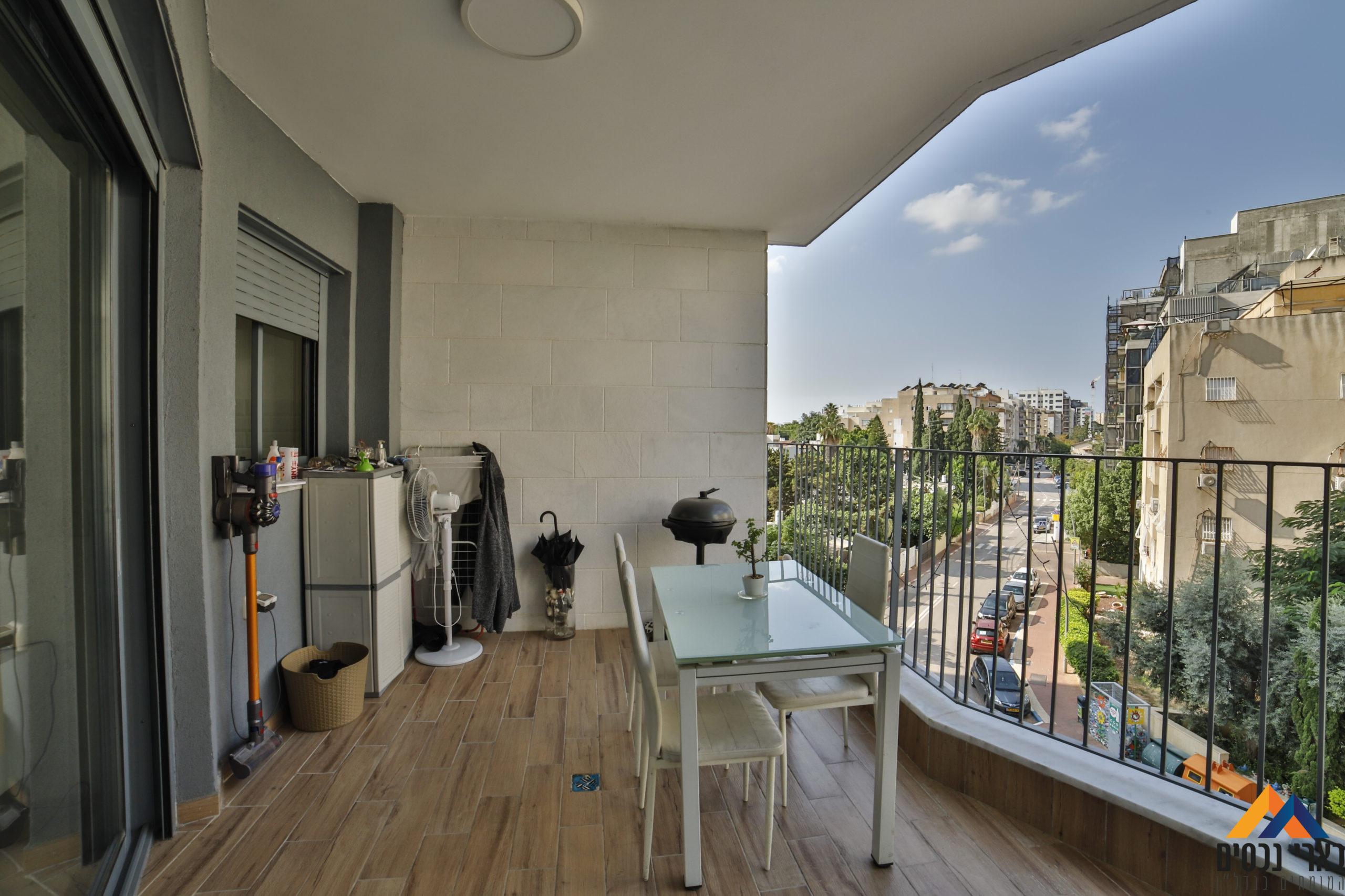 ברח׳ נווה יהושע – 4 חד׳ בבניין חדש